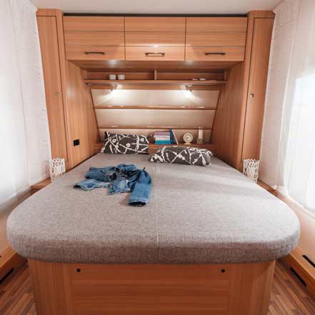 lmc style 2016 caravan nieuw slaapkamer